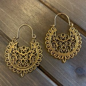 Retro Chic Gold-toned Scroll Earrings